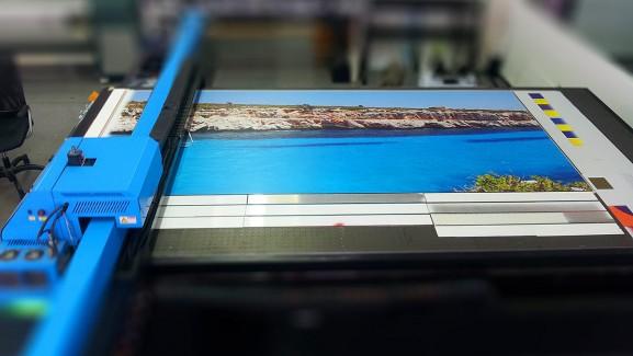 Producción de cuadros en serie con impresión directa UVI