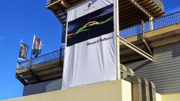 Impresion de Lona microperforada evento Porsche