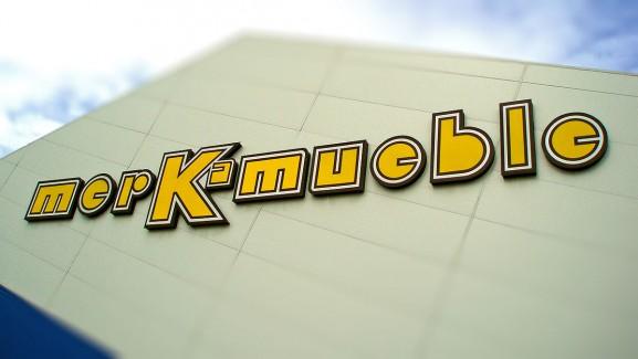 Letras corpóreas Merk-mueble
